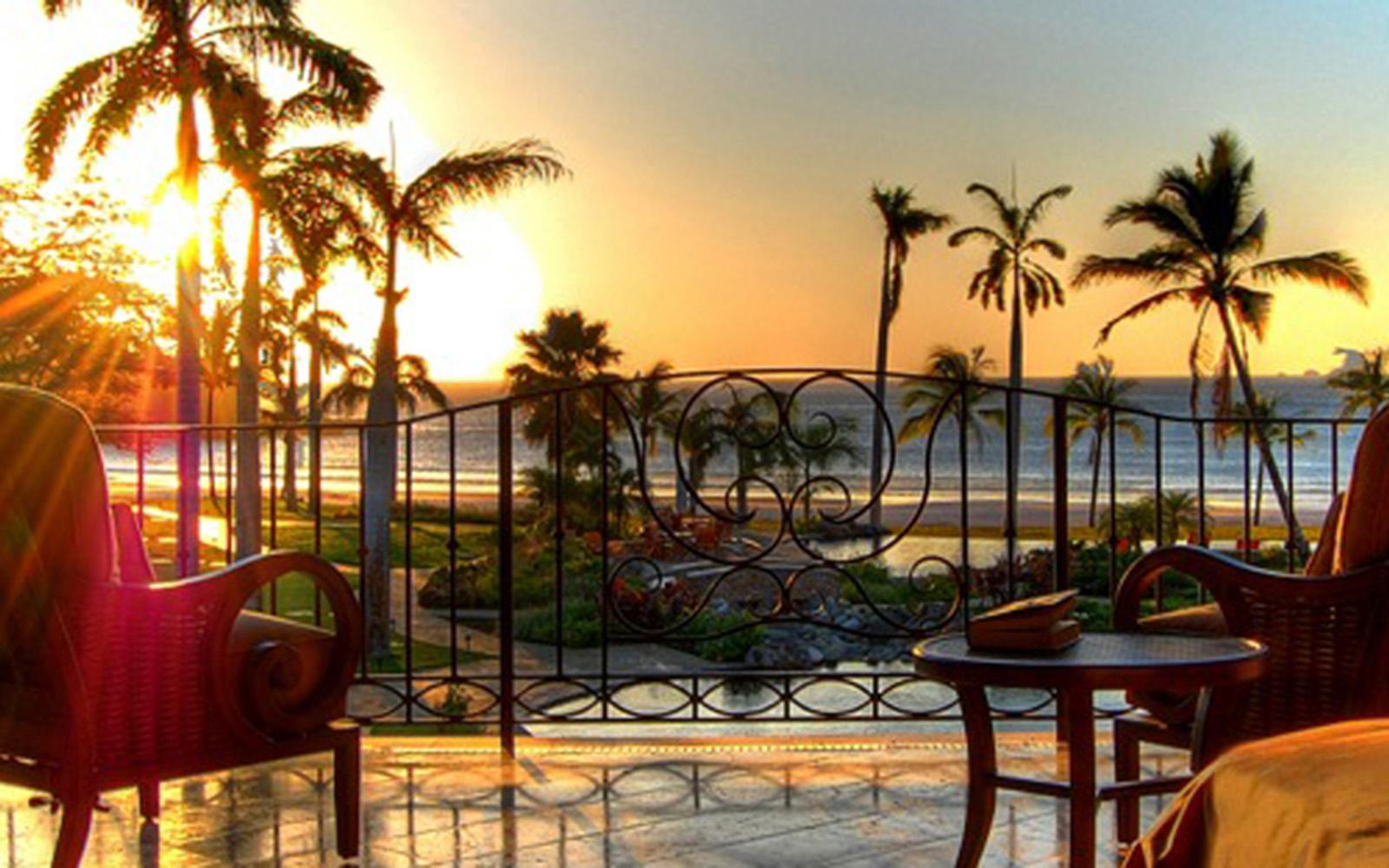 The Palms-Legendary Sunsets of Flamingo